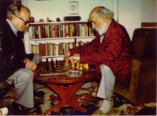Tísner jugant a escacs amb Pere Calders