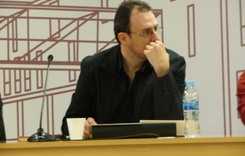 """Jordi Julià: """"Escriure és el més antinatural"""""""