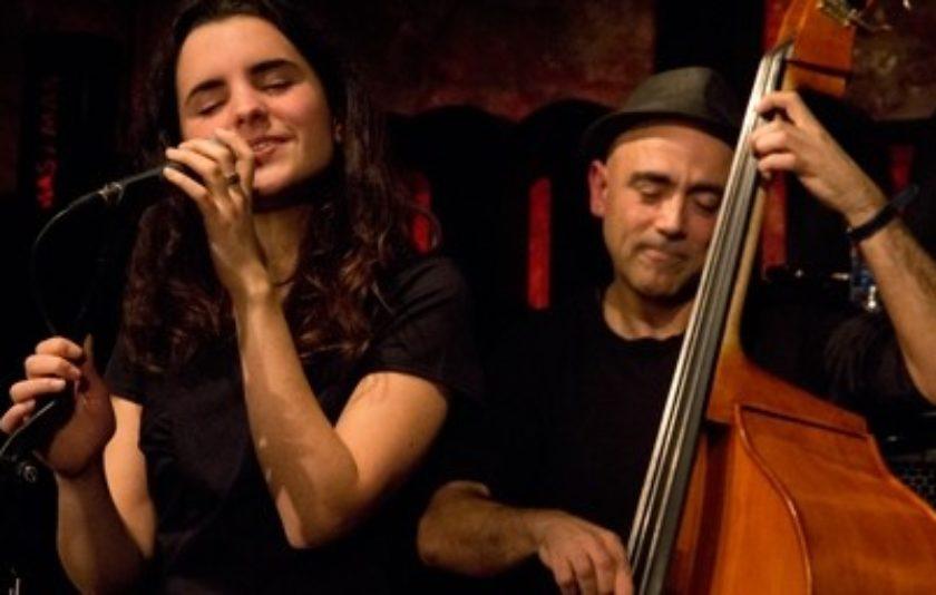 Joan Chamorro i Andrea Motis a la Festa de la Poesia de Sitges