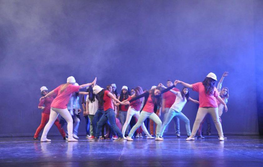 Meteodansa: fenomens meteorològics, taller de dansa i 200 ballarins adolescents