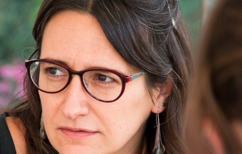 'El parèntesi esquerre': Arrencar-se la nena