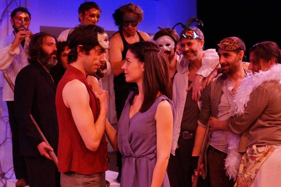 Una escena de Romeu i Julieta al Teatre Akadèmia