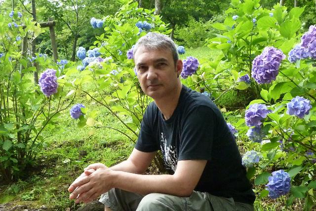 Lluís Llort és un dels autors del llibre