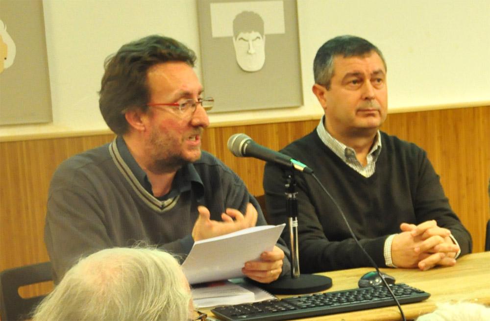 Víctor Pàmies, prologuista de l'obra, i Pedro M. Martín Burutxaga, autor