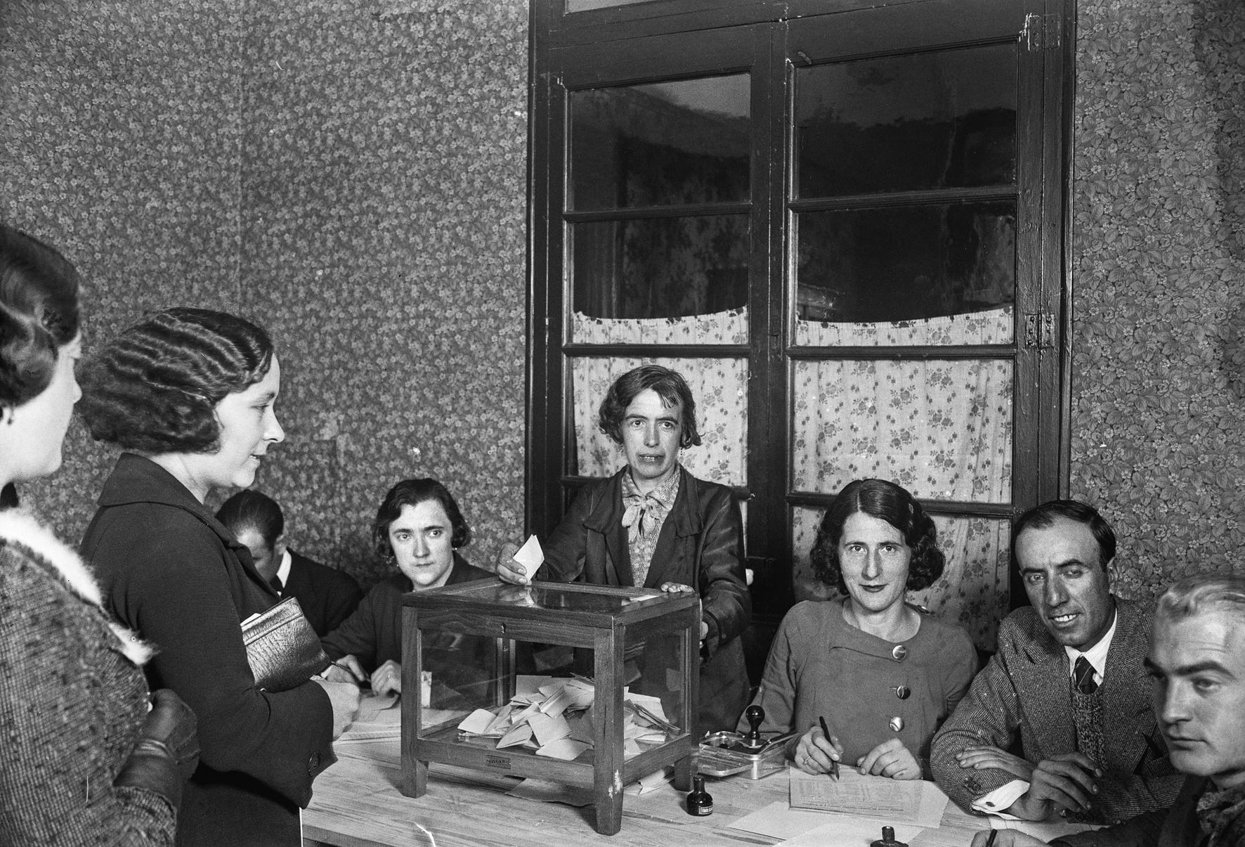 El vot femení durant la república | Arxiu Històric Fotogràfic IEFC