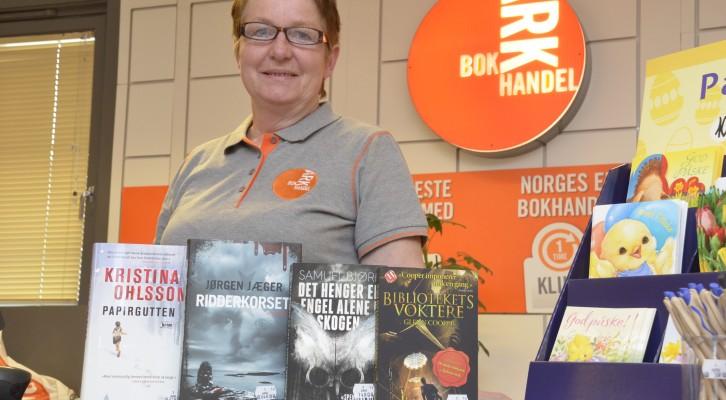 Una llibretera noruega el dia de les rebaixes del Mamut