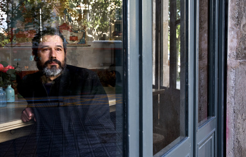 Marc Romera: «Poesia és l'art de mentir per esputar les veritats a la cara»