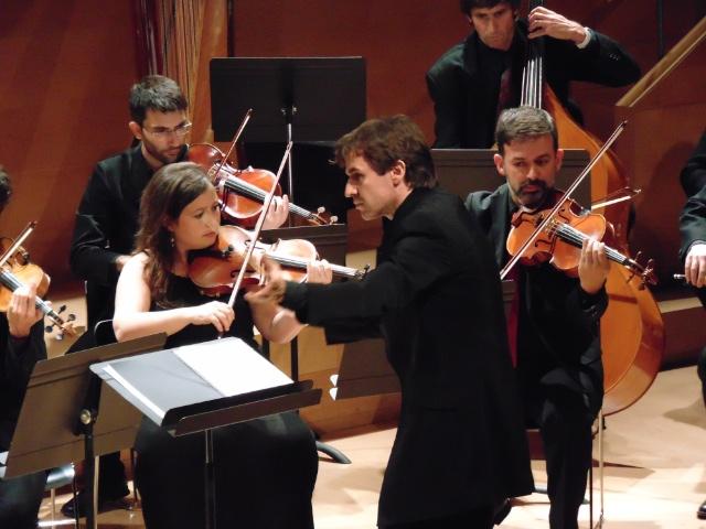 Xavier Puig dirigint l'Orquestra de Girona