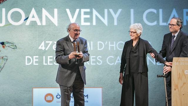 Joan Veny, Muriel Casals i Quim Torra al lliurament del Premi | Foto: Pere Virgili