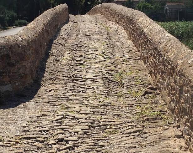 Grand Tour. Pont de pedra de Gualta