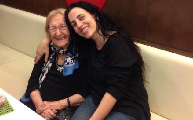 Montserrat Abelló i Mirna Vilasís a la Llibreria la Central