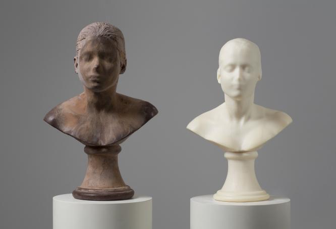 "Les escultures ""Llepar i ensabonar"" de Janine Antoni al Museu Hirshhorn, Washington DC. | Font: Janine Antoni"