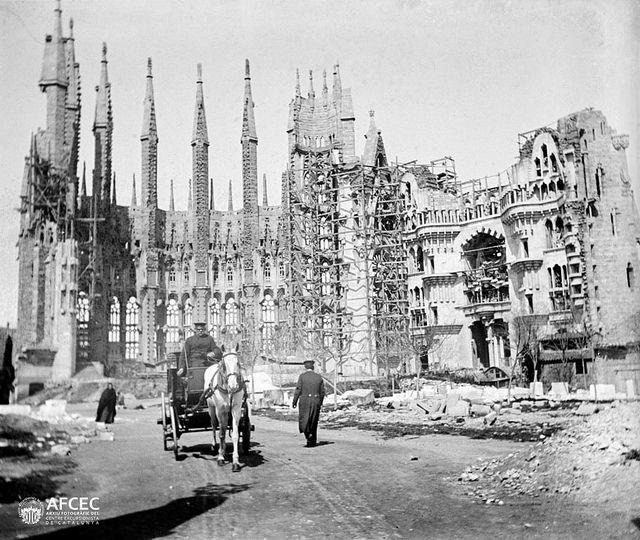 Sagrada Família (1896-1905) Font: AFCEC