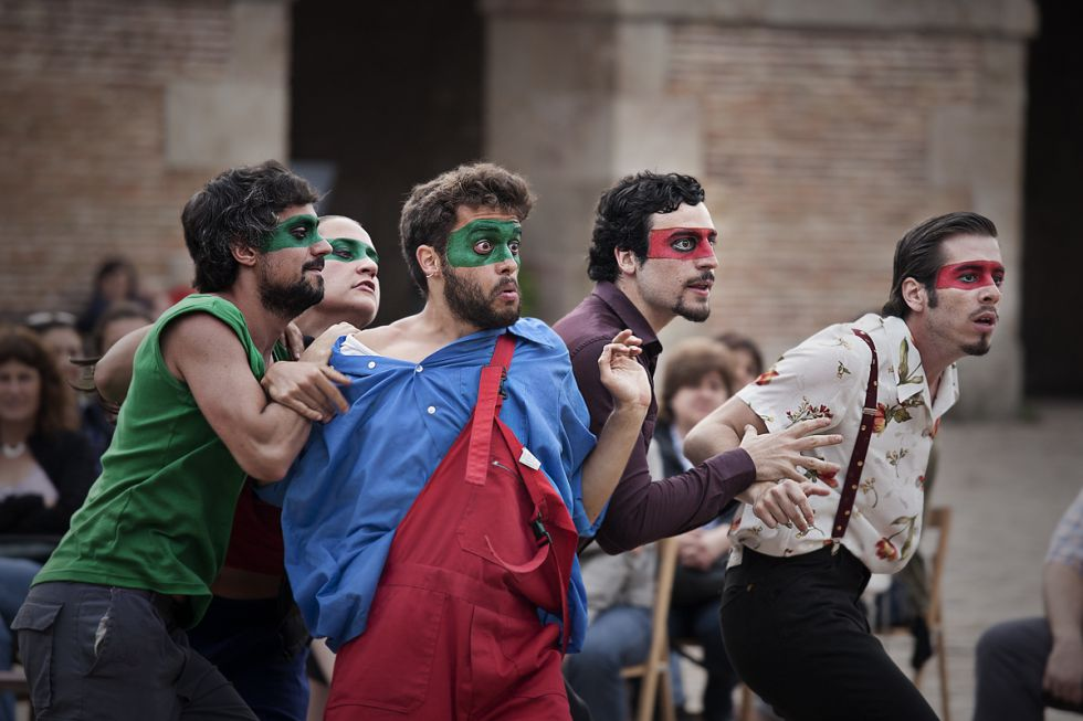 Els actors de la companyia en un moment de 'Fuenteovejuna' |Obskené