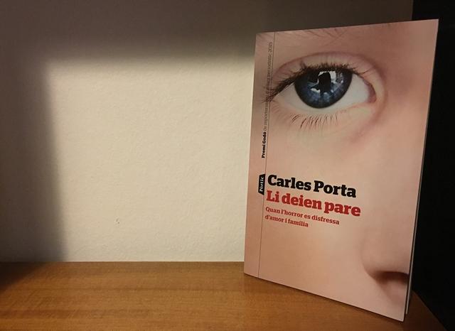"""Carles Porta és l'autor de """"Li deien pare"""" (Editorial Pòrtic, 2016)"""