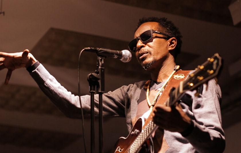Escoltem els prohibits: entrevista al músic i escriptor sudanès Abazar Hamid