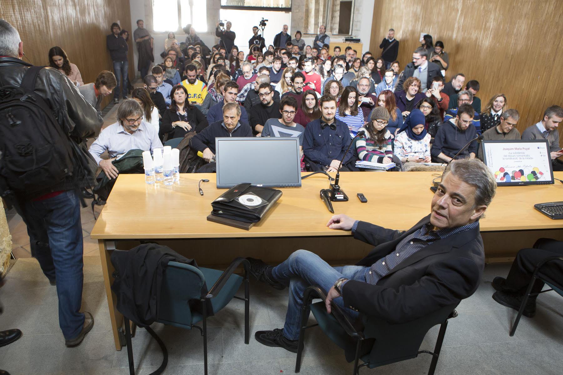 Joaquim Maria Puyal abans de començar la conferència a la UdG | Foto: Martí Artalejo, Diputació de Girona