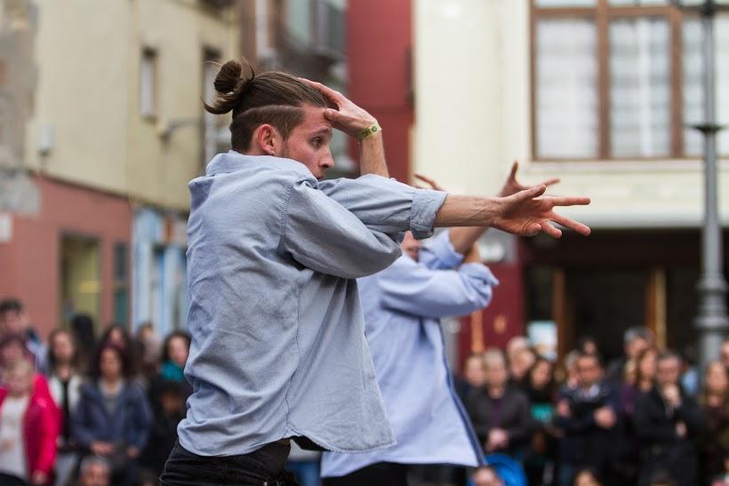 La dansa urbana va triomfar a la Plaça Major d'Olot | © Martí Albesa