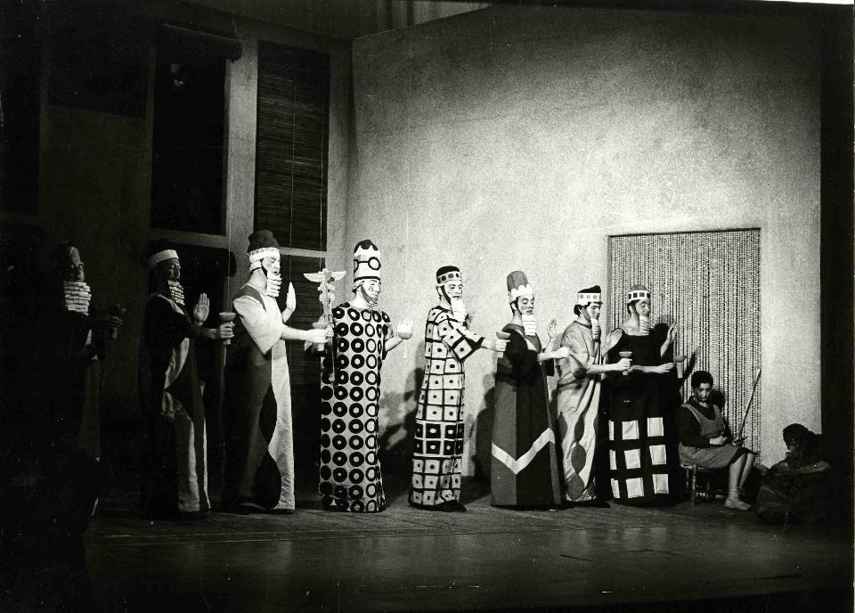 Primera història d'Esther. © Pau Barceló. MAE. Institut del Teatre