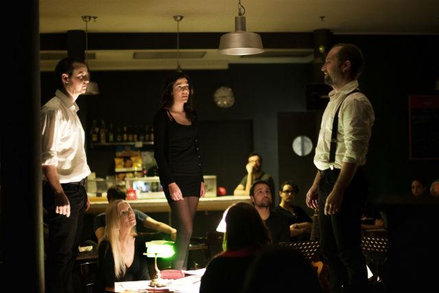 Els actors i músics durant l'espectacle 'Avui Ovidi'.