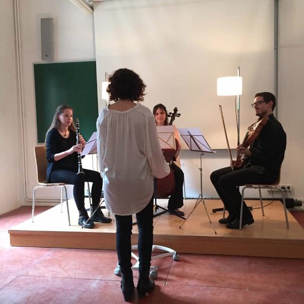 Degustem Joan Brossa Els músics amb la compositora i directora Silvia Lanao