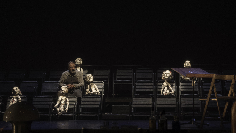 Miquel Gelabert i els ninots de Mim Juncà. © May Zircus - TNC