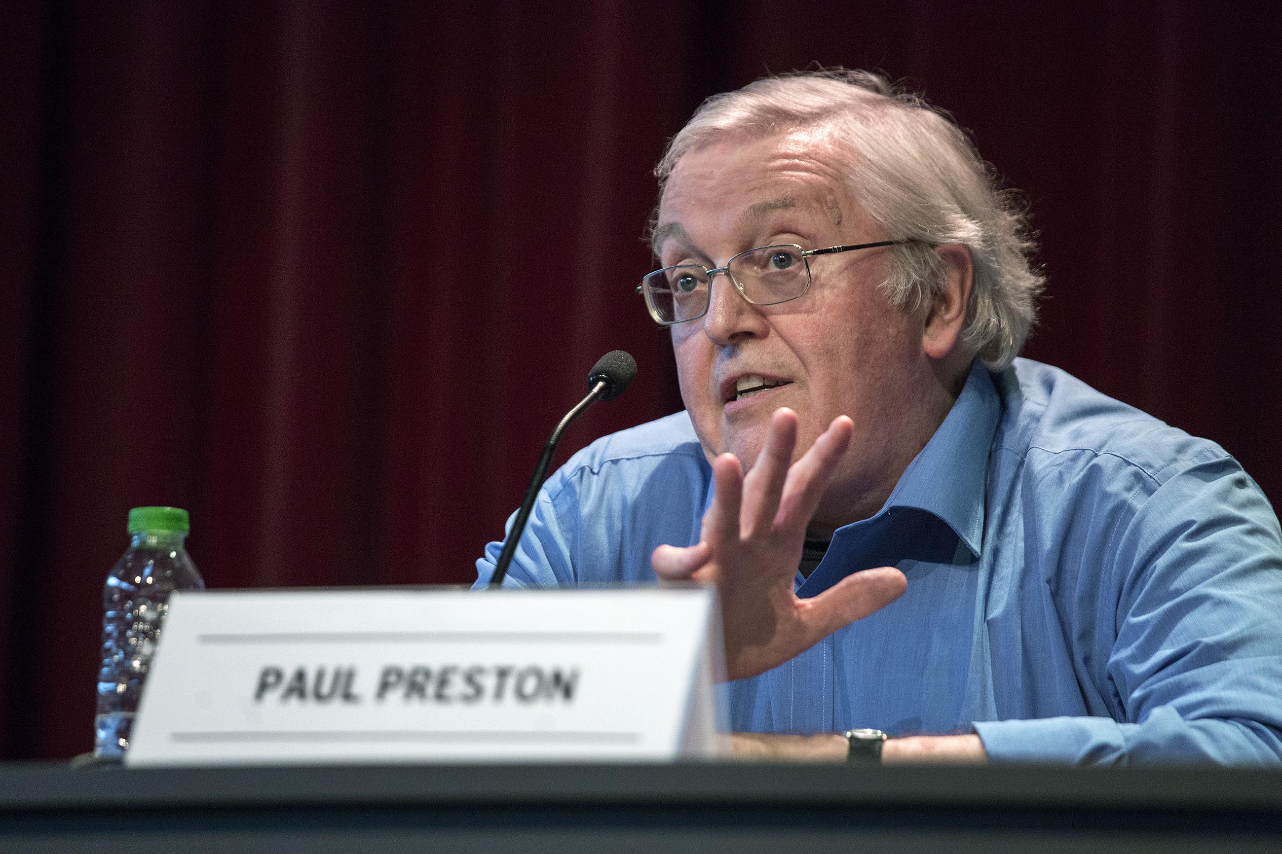 Paul Preston durant la conferència al Born CCM | Foto: Pere Virgili