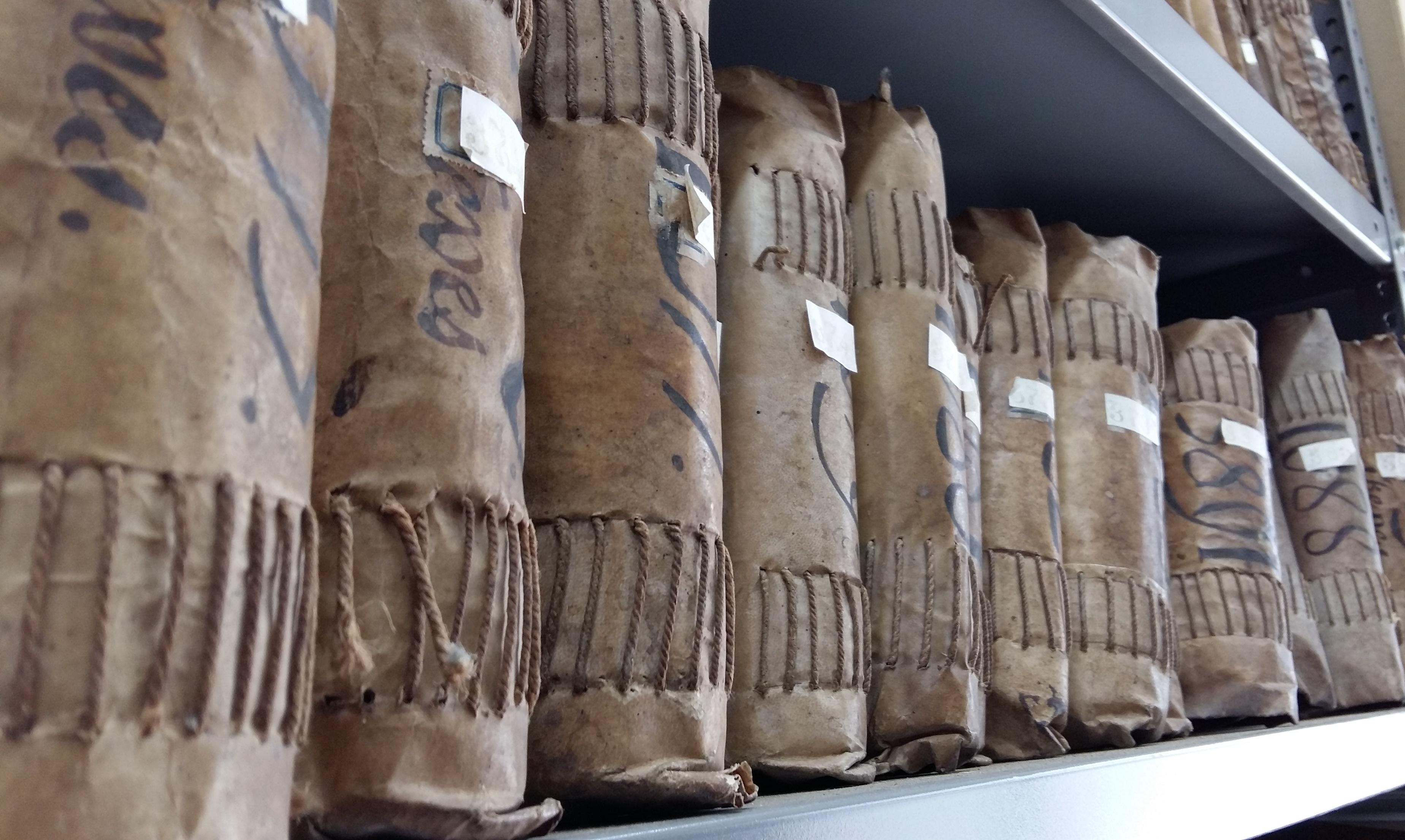 Llibres de l'Arxiu Històric Fidel Fita a Arenys de Mar | Foto: Hug Palou