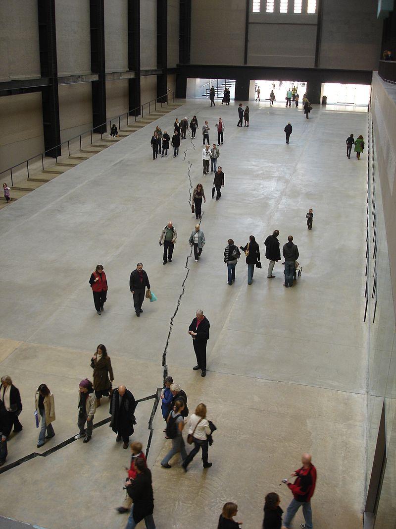 'Sibboleth', de Doris Salcedo, a la Tate Modern