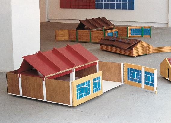 """Daniel Chust Peters Cielo mío 1996. 4 unitats. Fusta pintada i envernissada. Col·lecció """"la Caixa"""" d'Art Contemporani"""