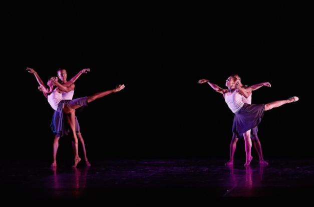 Alvin Ailey American Dance Theater | © Toti Ferrer