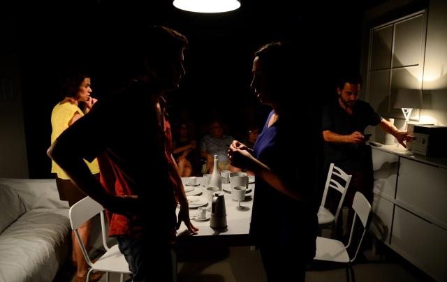 Un moment de 'L'última nit del món'. Fotografia de Roser Blanch