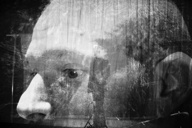 Dins del cap de Trevor Carlson a 'Not a moment too soon'. © Yoana Miguel