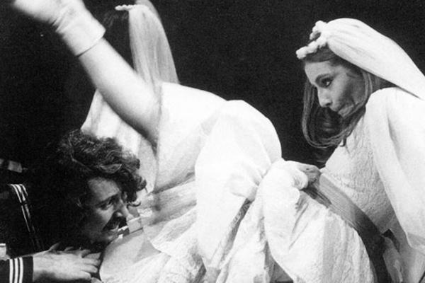 Jaume Sorribas i Glòria Rognoni a 'Mary d'Ous' (1972), Els Joglars.