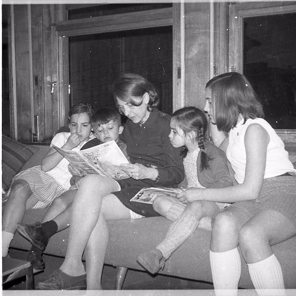 Amb la tia Anna Maria Seix i les cosines.
