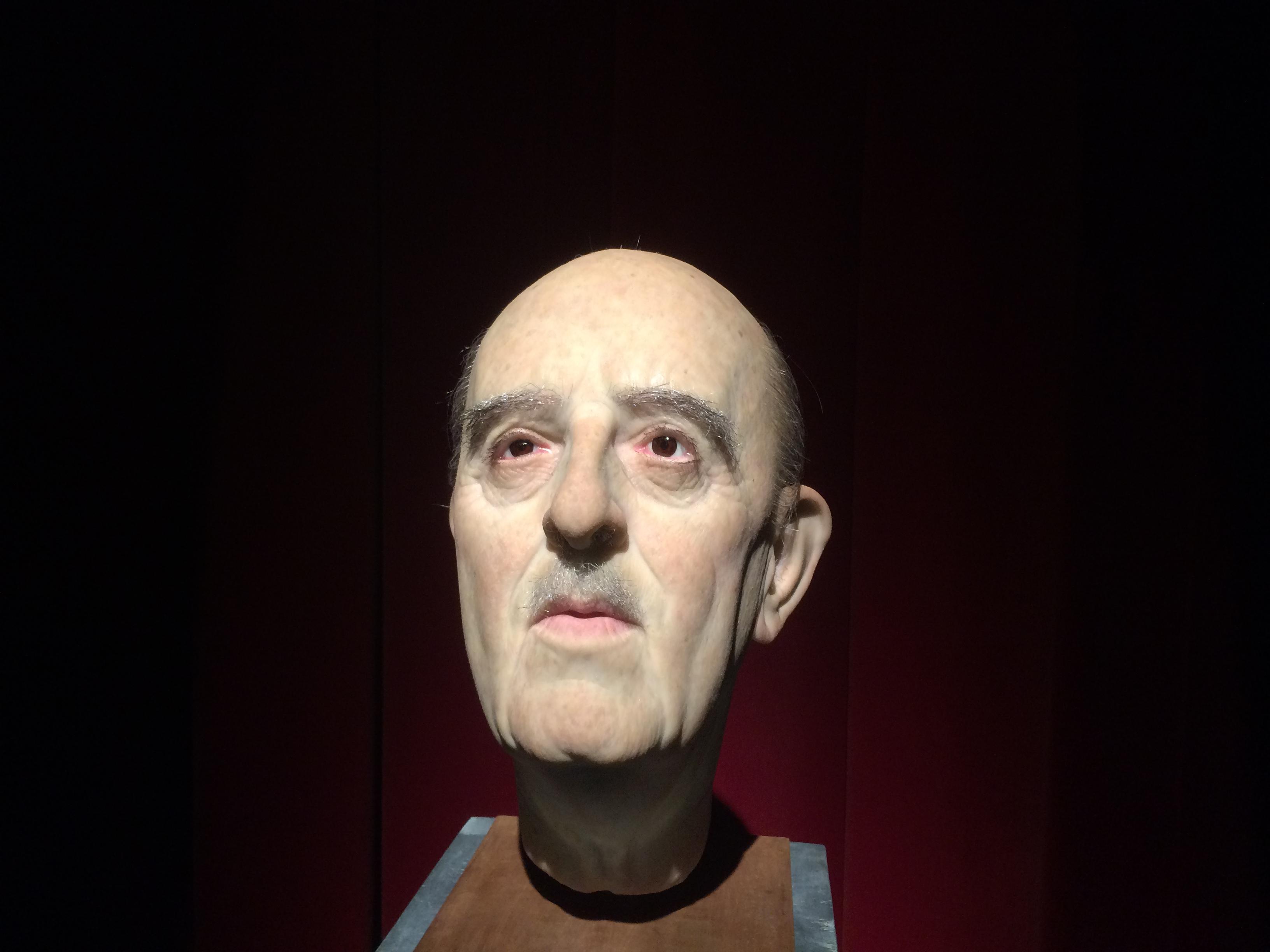 Bust de Franco exposat a la mostra 'Franco, Victòria, República', que es pot veure al Born CCM fins al 8 de gener de 2017
