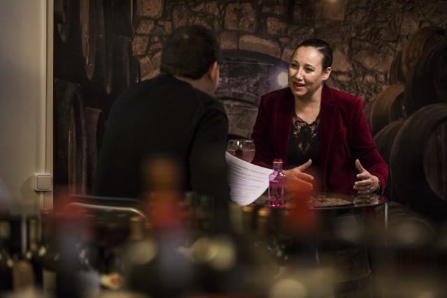 Susana Sheiman conversa amb Martí Farré. © Ariana Nalda