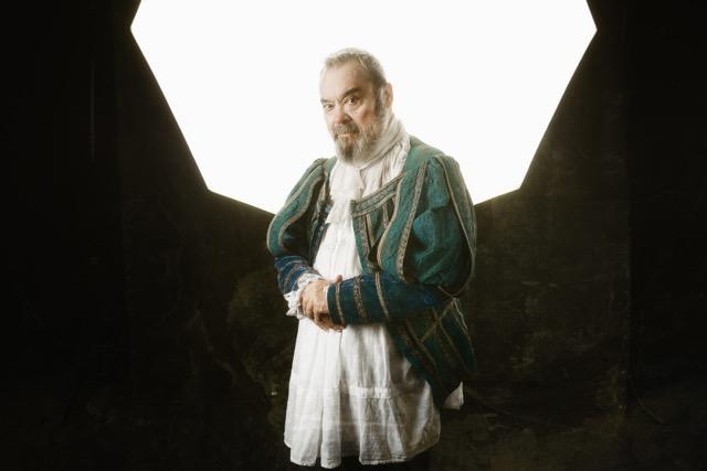 Carles Canut caracteritzat pel seu paper a 'La taverna dels bufons'. © David Ruano