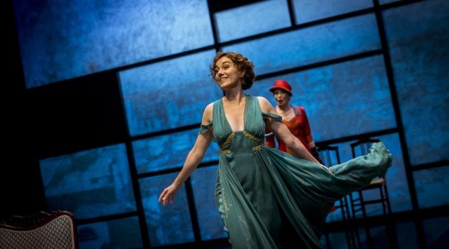 Laura Conejero amb el vestit que desencadena l'acció a 'La fortuna de Sílvia'. © David Ruano
