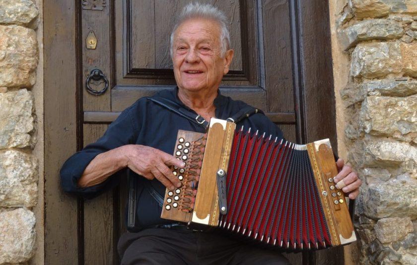 A la vora de la mar. Música mediterrània de Catalunya fins a Síria
