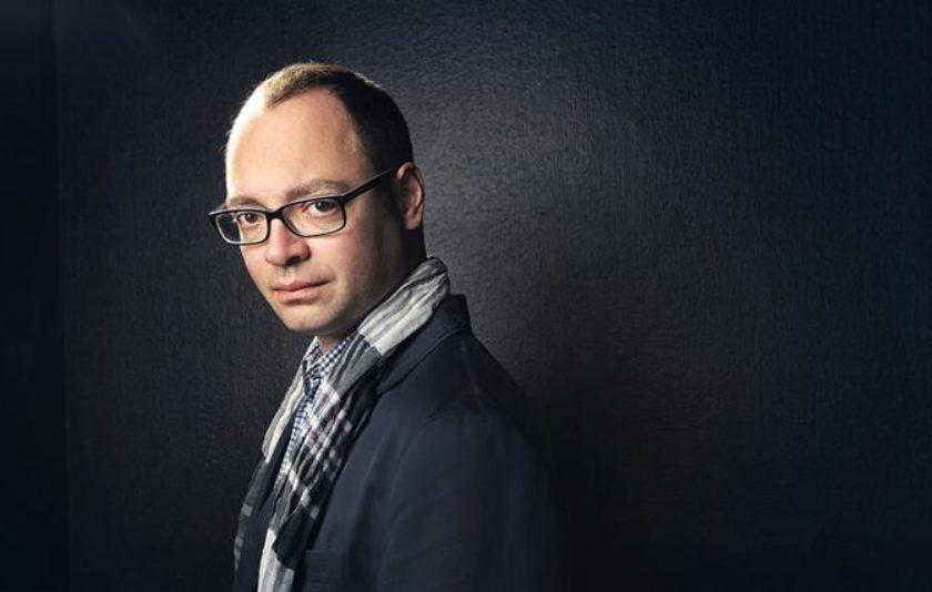 Alexander Melnikov s'ensenyoreix de Xostakóvitx al Palau