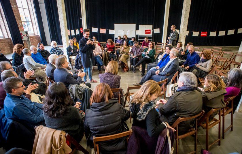 Escriure en català, una militància assembleària