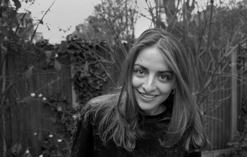 Irene Solà. Literatura fragmentària que toca de peus a terra