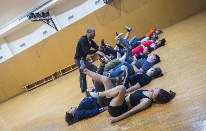 Els adolescents ballen