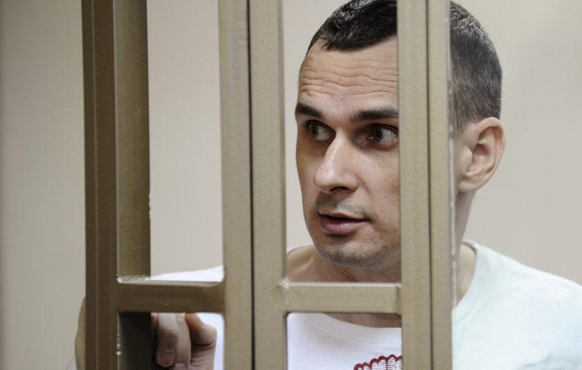 Per què no ens miren els presos polítics del món?