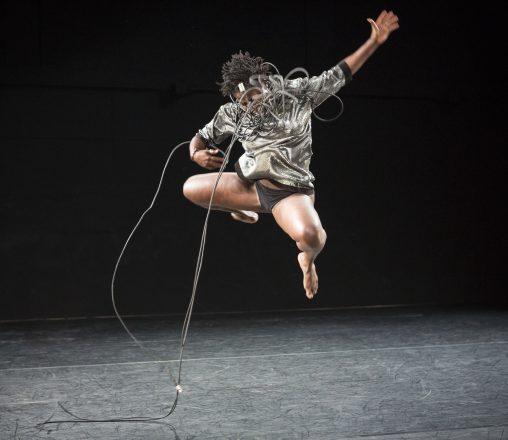 Dansa cosmopolita africana
