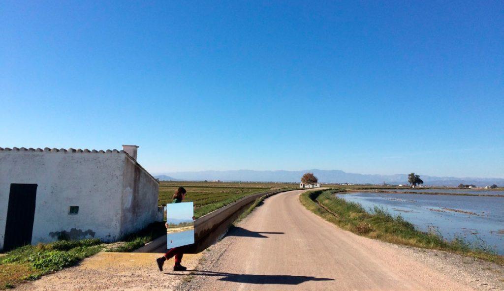 """Fotografia de l'exposició """"Paisatge en joc"""" de Terra-lab.cat 2017  Foto: Arts Santa Mònica"""